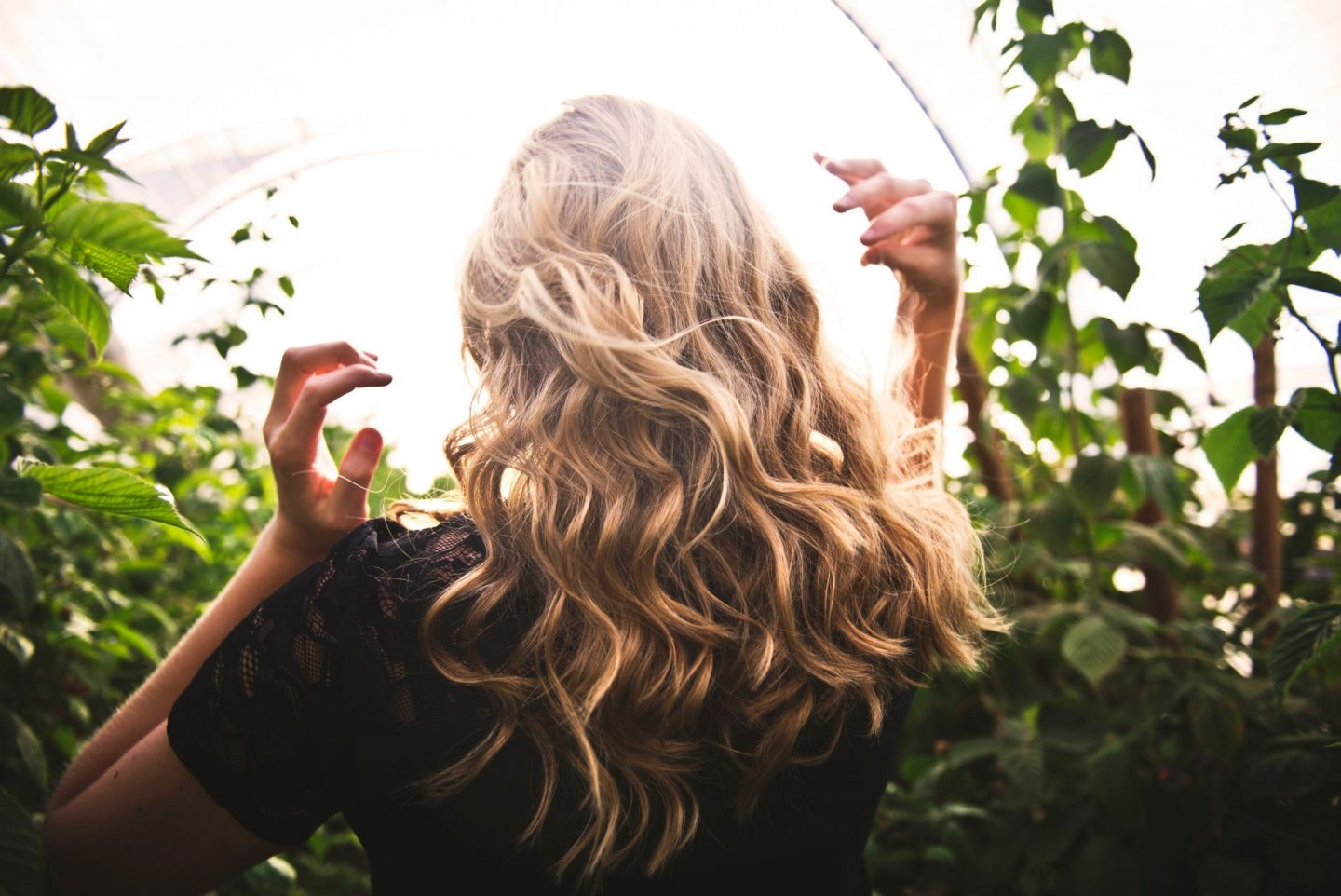, How to protect your hair from the sun