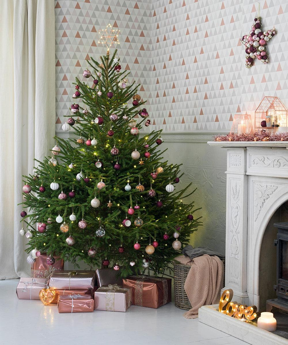 , Which Are Better, Real or Artificial Christmas Trees?