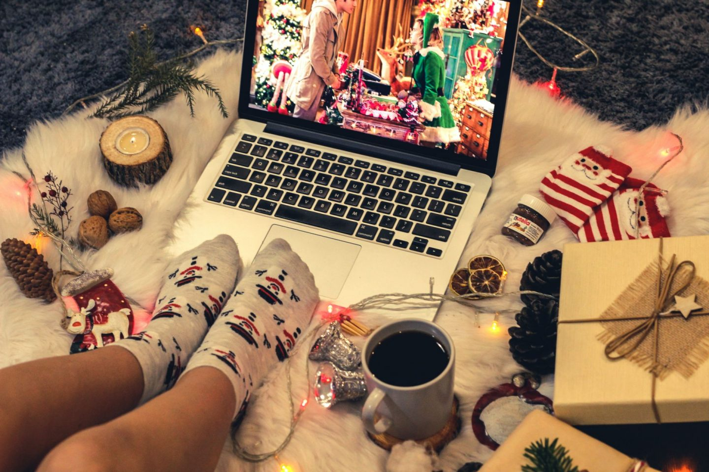 , 4 Ways To Make Your Virtual Family Christmas Just Like Normal